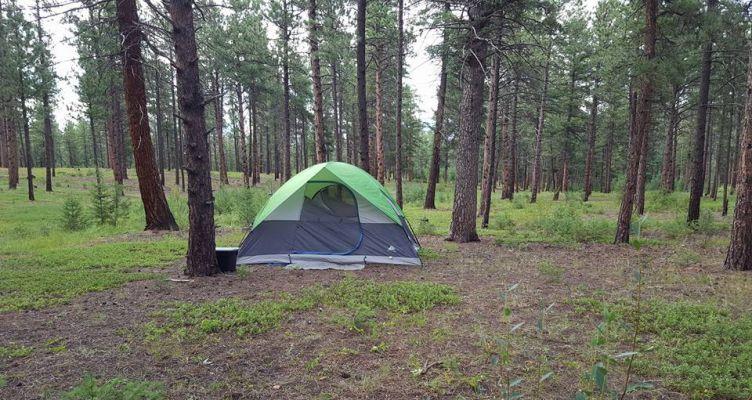 camping-around-boulder